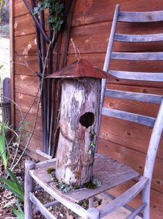 Old weathered bird house Rustic Birdhouses, Birdhouse Ideas, Flower Boxes, Flower Ideas, Crafts To Do, Diy Crafts, Bye Bye, Little Houses, Shades Of Purple