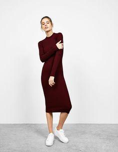 Strakke jurk met lange mouwen - Jurken - Bershka Netherlands