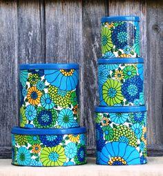 Original Blue and Green Floral Retro Willow Kitchen Tins Vintage Canister Sets, Vintage Kitchenware, Vintage Tins, Vintage Dishes, Vintage Colour Palette, Vintage Colors, Vintage Love, Retro Vintage, Vintage Modern