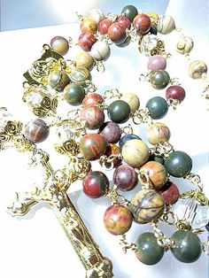 Rosary Prayer, Praying The Rosary, Holy Rosary, Rosary Catholic, Prayer Beads, Afghan Loom, Rosary Beads, Blessed Mother, Religious Jewelry