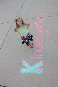 first day of school picture kindergarten..might do something like this with Ashley...