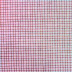 Tela de Patchwork estampado de cuadritos rosas sobre fondo blanco. El precio de la unidad es el cuarto. Ancho 1,10mt