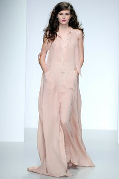 Maria Grachvogel Spring 2014 Ready-to-Wear Collection Slideshow on Style.com #LFW #SS2014