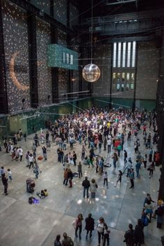 Since Tate Modern first opened in it has become a London landmark, not just for the art it houses, but also for the architecture of the building itself. Turbine Hall, Switch House, Millennium Bridge, Olafur Eliasson, Tate Britain, London Landmarks, Down The River, London Skyline, London Bus