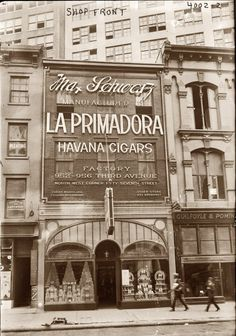 La Primadora cigar shop at 1153 Broadway in New York circa 1920. The owner, civic leader and entrepreneur Max Schwarz, died in 1940.