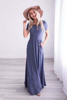Maxi dresses are ALWAYS a good idea, and our Hudson Maxi Dress is no exception!