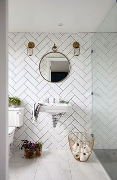 This Tile Trick is a Game Changer for Small Bathroom Interior Design Loft Bathroom, Ensuite Bathrooms, Upstairs Bathrooms, Loft Ensuite, Bathroom Showers, Small Attic Bathroom, Basement Bathroom, Tiled Walls In Bathroom, Floating Bathroom Sink