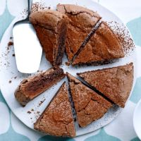 Really delicious chocolate cake which is quick and easy to make