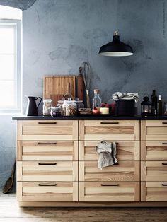 a large kitchen with sektion torhamn natural ash doors. Black Bedroom Furniture Sets. Home Design Ideas