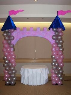Princess balloon castle Jenny Worland Can we make this for Evs party but shorter 1st Birthday Princess, Cinderella Birthday, Disney Princess Party, Princess Theme, Little Girl Birthday, Baby Shower Princess, 1st Birthday Parties, Princess Castle, Princess Balloons