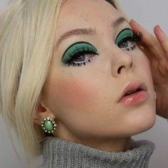 Orange Makeup, Green Makeup, Colorful Eye Makeup, Dark Makeup, Natural Makeup, Edgy Makeup, 1960s Makeup, Retro Makeup, Vintage Makeup