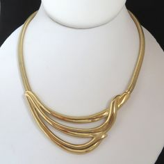 All vintage beads Goldtone chain with heart shape links Nightclubs on the weekends a great look Neclace /& Earrings Set