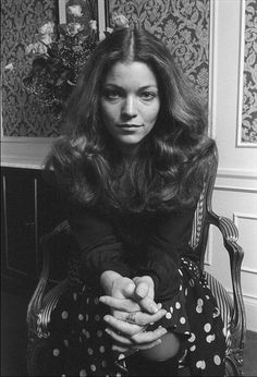 Amy Irving, Academy Award nominee in 1983 Amy Irving, Kelly Hu, And God Created Woman, Famous Photos, Got The Look, Vintage Glamour, Vintage Style, Iconic Women, Great Hair