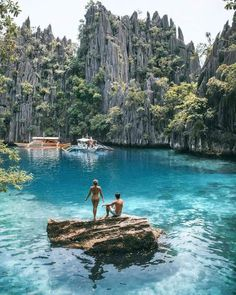 Coron Palawan Philippinen Honeymoon - Honeymoon destinations - Honeymoon ideas - Honeymoon love - So Best Honeymoon Destinations, Vacation Places, Dream Vacations, Vacation Ideas, Vacation Spots, Travel Destinations, Affordable Honeymoon, Honeymoon Places, Honeymoon Packages