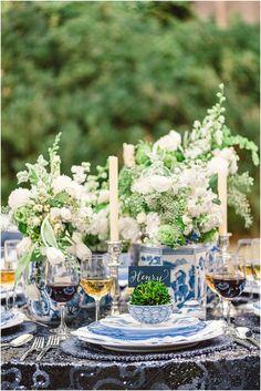 al fresco + ginger jars Blue And White China, Blue China, Blue Green, Dresser La Table, Theodora Home, Jar Design, Beautiful Table Settings, Rustic White, Ginger Jars
