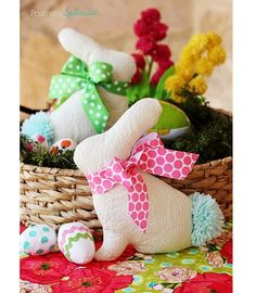 Free pattern: Easter bunny softie