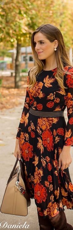 30 Chic Fall Outfit Ideas - Street Style Look. Fashionista Street Style, Boho Fashion, Autumn Fashion, Street Fashion, Blouse And Skirt, House Dress, Street Style Looks, Latest Fashion Trends, Fall Outfits