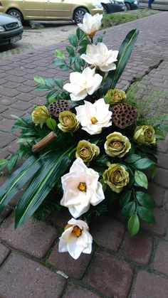 Funeral Floral Arrangements, Large Flower Arrangements, Grave Flowers, Funeral Flowers, Black Flowers, Spring Flowers, Funeral Caskets, Casket Sprays, Outdoor Flowers