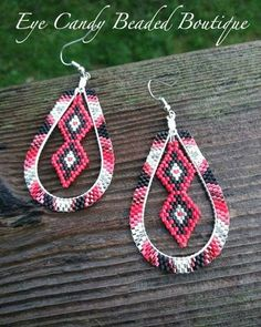 Ready to ship. #eyecandybeadedboutique #beadedearrings #beadedhoops #nativefashion #brickstitchearrings #handcraftedjewelry