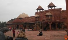 This half day tour to Fatehpur Sikri experience you the history of the place with transfer service from the Agra hotel to Fatehpur Sikri through an air-conditioned car.