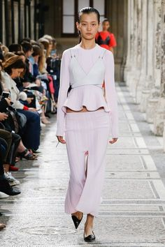 See the complete Proenza Schouler Spring 2018 Ready-to-Wear  collection.