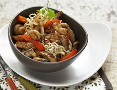 My Cookbook, Japchae, Koti, Food And Drink, Pasta, Beef, Ethnic Recipes, Red Peppers, Meat