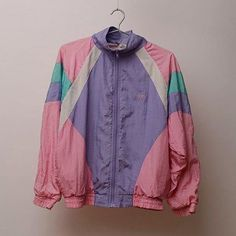 b85e3240c29 I m gonna go to goodwill to see if I can find a jacket like this because I  NEED😭