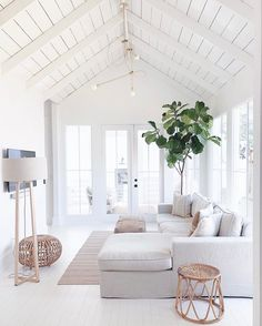 Best Summer Living Room Trends of Best Summer Living Room Trends of 2019 - Decoholic. If you have been looking to have a living room makeover but never got round to doing it, you're just in time to sample the best ideas for revamping the. House Design, Living Room Decor Apartment, Home Decor, House Interior, Apartment Decor, Living Room Trends, Summer Living Room, Living Decor, Nyc Apartment Decorating