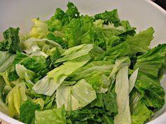A mixed bowl of lettuce: romaine and iceberg. I cringe whenever I see the bagged lettuce prices and always opt to get the cheaper heads. Carb Free Recipes, Veggie Recipes, New Recipes, Salad Recipes, Recipies, Amazing Food Hacks, Fruit And Vegetable Storage, Cut Recipe, Fruits And Veggies