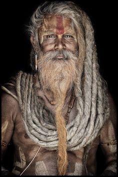 Varanasi, Barba Grande, Old Man Portrait, Yoga Studio Design, Skull Face, Interesting Faces, World Cultures, People Around The World, Mustache