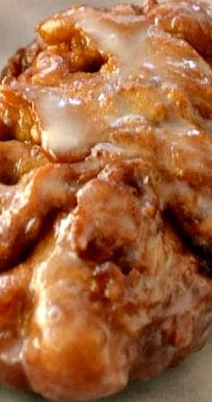 Apple Fritters are luscious deep fried donuts filled with apples and cinnamon and drizzled with an easy three ingredient glaze. Apple Fritter Recipes, Apple Dessert Recipes, Donut Recipes, Apple Recipes, Snack Recipes, Cooking Recipes, Snacks, Apple Fritter Cake, Curry Recipes
