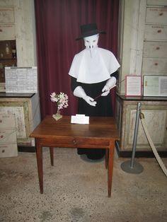 Médecins, soignants et pensionnaires à Hautefort.- 22) Salle du Père Eternel