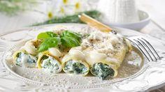 Cannelloni stuffed with spinach and ricotta - cestoviny - Pasta Spinach Ricotta Cannelloni, Spinach Cannelloni, Queso Ricotta, Cannelloni Recipes, Manicotti Recipe, Italian Dishes, Italian Recipes, Sauce Recipes, Pasta Recipes
