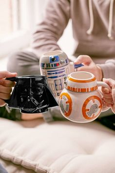 """25 Gifts For Anyone Who Love """"Star Wars"""" More Than Anything(Geek Stuff) Taza Star Wars, Star Wars Bb8, Star Wars Mugs, Star Wars Gifts, Star Wars Quotes, Star Wars Humor, Virée Shopping, Geek Decor, Star Wars Wallpaper"""