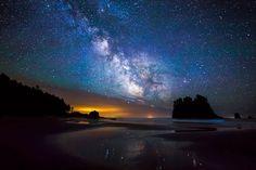 オリンピック自然保護地域、ワシントン州 > セカンド・ビーチの上に広がる美しい天の川