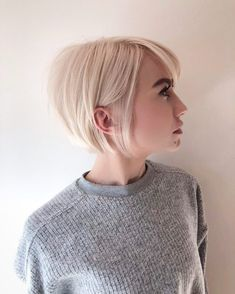 100 Mind-Blowing Short Hairstyles for Fine Hair Sleek Blonde Bob With Backcombed Crown. Blonde Bob Hairstyles, Haircuts For Fine Hair, Hairstyles Haircuts, Straight Hairstyles, Cool Hairstyles, Men's Hairstyle, Formal Hairstyles, Wedding Hairstyles, Backcombed Hairstyles