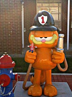 Flat Chuck with Garfield in front of City Hall, Jonesboro, Indiana (Grant County)