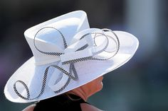 Kentucky Derby Hat 2012 ` love the curly ribbon! Kentucky Derby Fashion, Kentucky Derby Hats, Fancy Hats, Cool Hats, Fascinator Hats, Fascinators, Church Hats, Wedding Hats, Outfits With Hats