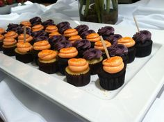 We've even got designer cupcakes til 1:00 here at 220 W. Kinzie! So cupcake fans stop by! #NeoCon13 #NeoConography