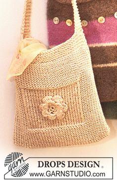 fun summer bag...has matching make-up case