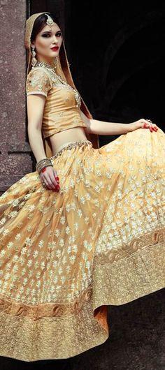 156761: MY GOLDEN BRIDE.  #lehenga #Bridalwear #WeddingCouture #ForHer #Bridetobe #OnlineShopping #IndianWedding #IndianFashion