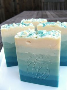 The Soap Bar: Gradient Soap Tutorial - Emily Shieh This is a neat idea for Wedding Favors :)