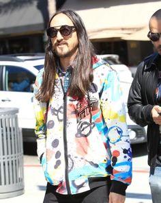 Steve Aoki Wears KTZ Graffiti Print Zip Jacket in Beverly Hills Dj Steve Aoki, Rain Jacket, Bomber Jacket, Graffiti Prints, Beard No Mustache, Celebrity Style, Windbreaker, Fashion Outfits, Zip