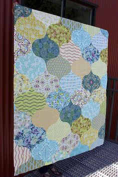 What We're Making! Curlicue Crush Quilt by Chasing Cottons
