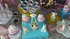 Doces de unicórnios personalizado Vanilla Cake, Birthday Cake, Desserts, Food, Simple Gender Reveal, Sweets, Unicorns, Tailgate Desserts, Deserts