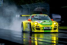 The iconic Manthey Porsche 911 GT3 R in the rain at the Nürburgring Nordschleife. > http://imaging.frays.de