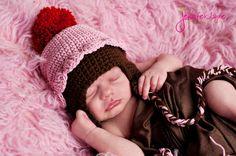 pink cupcake crochet hat free pattern by jennyandteddy