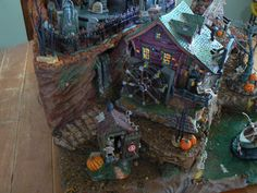 photo Halloween Village Display, Halloween Yard Decorations, Hawthorne Village, Vignettes, Miniatures, Winter, Creative, Christmas, Painting