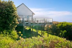Find your perfect accommodation choice in Apollo Bay with Stayz. The best prices, the biggest range - all from Australia's leader in holiday rentals. Apollo Bay, Us Holidays, Holiday Accommodation, Cottage, Cabin, Explore, House Styles, Home Decor, Decoration Home