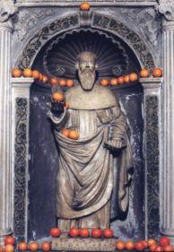 17-11-11   B10   Het beeld van Antonius in Collelongo (AQ), Italië.